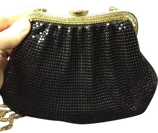 Preload https://img-static.tradesy.com/item/21567250/whiting-and-davis-vintage-pursesdesigner-purses-black-chain-maillemesh-with-pearl-clasp-accents-shou-0-2-540-540.jpg
