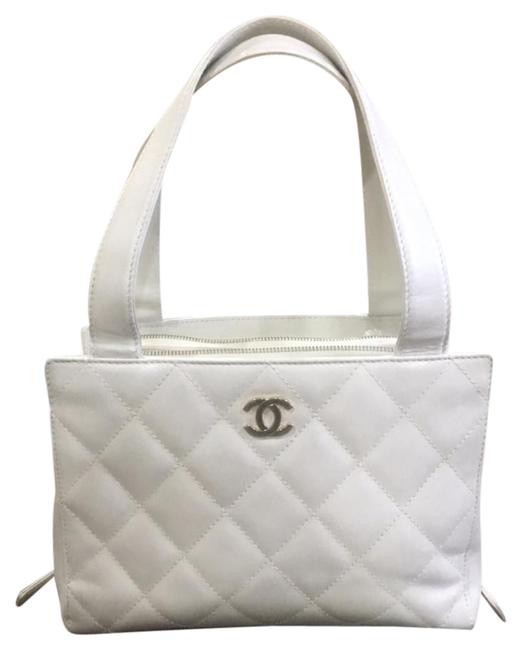 Chanel Quilted White Leather Shoulder Bag Chanel Quilted White Leather Shoulder Bag Image 1