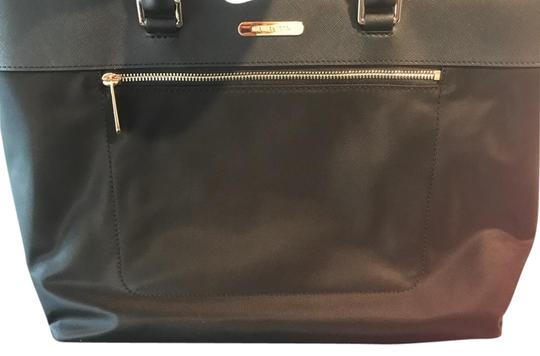 Preload https://item2.tradesy.com/images/michael-kors-new-nylonleather-colgate-large-ew-tech-divided-tech-black-leathernylon-tote-21567746-0-2.jpg?width=440&height=440