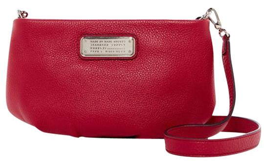Preload https://img-static.tradesy.com/item/21567885/marc-by-marc-jacobs-new-q-small-peony-leather-cross-body-bag-0-2-540-540.jpg