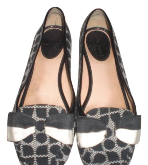 Preload https://item5.tradesy.com/images/kate-spade-ivory-and-black-blackivory-flats-size-us-65-regular-m-b-21567949-0-3.jpg?width=440&height=440