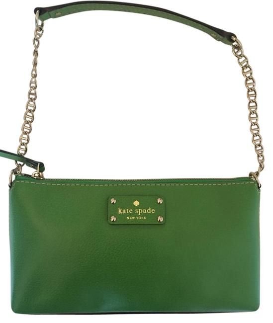 Item - Wellesley Small Purse Kelly Green Pebbled Leather Baguette