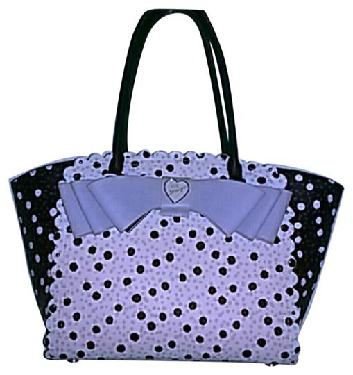 Preload https://img-static.tradesy.com/item/21569318/betsey-johnson-blackwhite-tote-0-1-540-540.jpg
