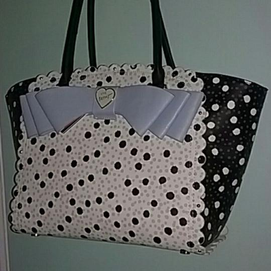 Betsey Johnson Tote in BLACK/WHITE