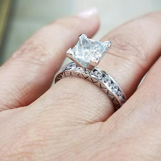 Item - White Gold 2ct Princess Cut 14k Solid Eternity Band Engagement Ring