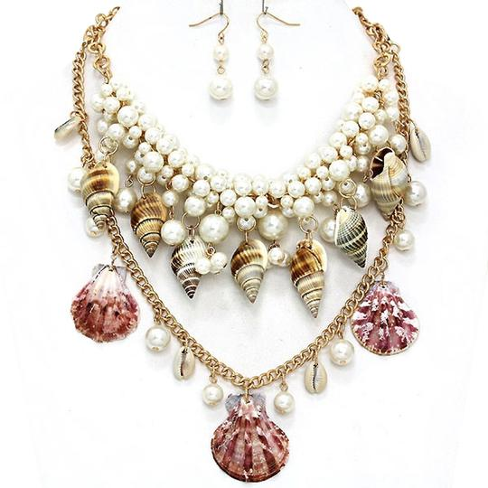 Preload https://img-static.tradesy.com/item/2156977/luciano-dante-gold-tone-multicolor-seaworld-sealife-seashell-pearl-clustered-double-and-earring-neck-0-0-540-540.jpg