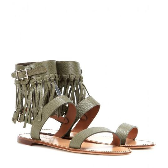 Preload https://item2.tradesy.com/images/valentino-khaki-c-rockee-ankle-fringed-leather-in-sandals-size-us-8-regular-m-b-21570116-0-0.jpg?width=440&height=440