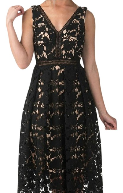 Preload https://item3.tradesy.com/images/romeo-and-juliet-couture-black-deep-v-neckline-sleeveless-lined-zip-closure-mid-length-cocktail-dres-21570552-0-1.jpg?width=400&height=650
