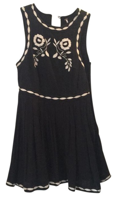 Preload https://item1.tradesy.com/images/free-people-mini-short-casual-dress-size-6-s-21570675-0-1.jpg?width=400&height=650