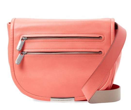 Preload https://item4.tradesy.com/images/marc-by-marc-jacobs-crossbody-rose-bush-leather-messenger-bag-21571093-0-0.jpg?width=440&height=440