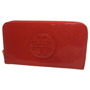 Tory Burch patent wallet