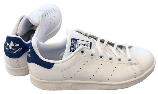 Preload https://item1.tradesy.com/images/white-blue-sneakers-size-us-5-regular-m-b-21571260-0-1.jpg?width=440&height=440