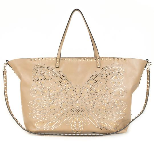 Preload https://item5.tradesy.com/images/valentino-embellished-beige-leather-tote-21571504-0-0.jpg?width=440&height=440