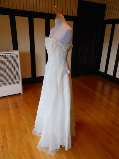 Ivory Hu53602 Destination Wedding Dress Size 2 (XS)