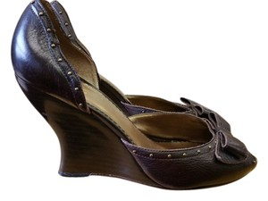 BCBG brown Wedges
