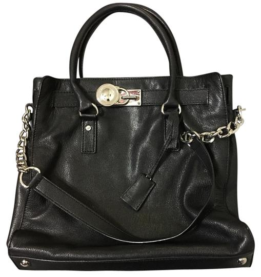 Preload https://item5.tradesy.com/images/michael-kors-hamilton-chain-large-with-silver-hardware-black-leather-tote-21572179-0-1.jpg?width=440&height=440