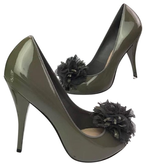 Saks Fifth Avenue grey Pumps