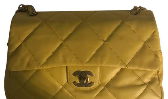 Preload https://item4.tradesy.com/images/chanel-yellow-leather-shoulder-bag-21572318-0-1.jpg?width=440&height=440