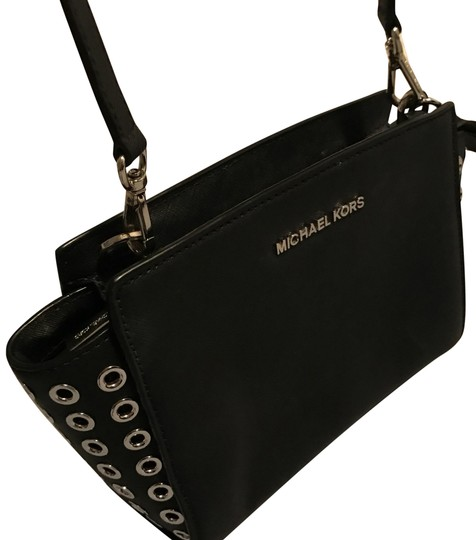 Preload https://item1.tradesy.com/images/michael-kors-collection-black-with-silver-outwear-french-calf-leather-cross-body-bag-21572385-0-8.jpg?width=440&height=440
