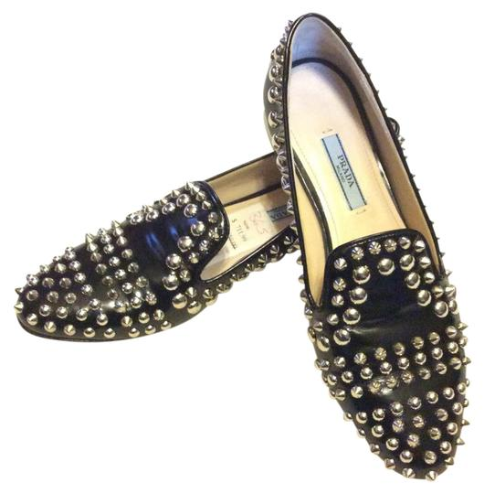 Preload https://item3.tradesy.com/images/prada-black-and-silver-studded-flats-size-us-6-regular-m-b-21572412-0-1.jpg?width=440&height=440