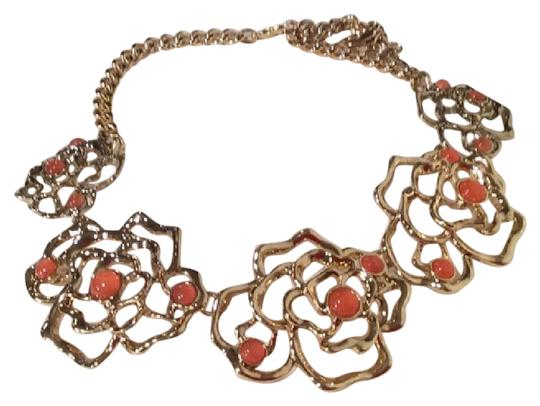 Preload https://item2.tradesy.com/images/ann-taylor-gold-coral-statement-necklace-21572686-0-1.jpg?width=440&height=440