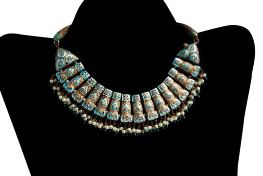 Preload https://item2.tradesy.com/images/blue-vintage-weeding-typical-india-necklace-21573266-0-1.jpg?width=440&height=440