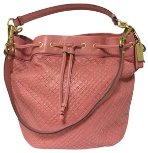 Coach Pink Lexy Bucket Tote Tote in pink