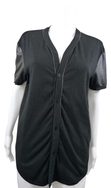 Preload https://item4.tradesy.com/images/guess-black-baseball-jersey-tunic-size-4-s-21573328-0-1.jpg?width=400&height=650