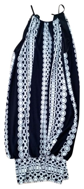 Preload https://item4.tradesy.com/images/london-times-black-white-banded-bottom-p2362-mid-length-night-out-dress-size-8-m-21573898-0-1.jpg?width=400&height=650