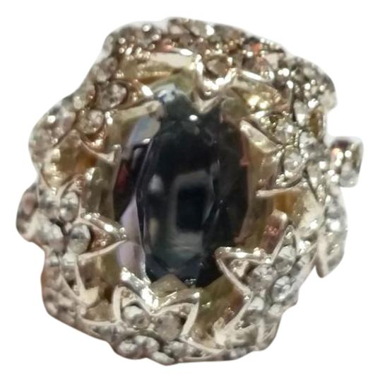 Preload https://item1.tradesy.com/images/silver-tone-flower-crystal-size-9-chunky-statement-j3438-ring-21574085-0-1.jpg?width=440&height=440