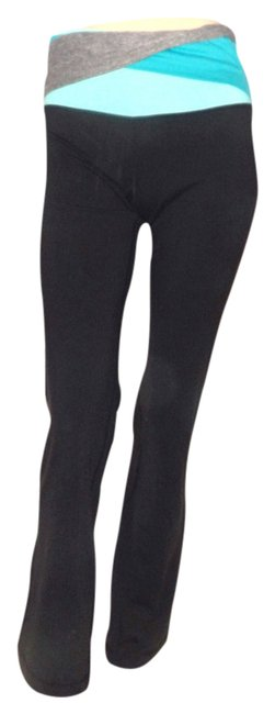 Preload https://item1.tradesy.com/images/lululemon-black-grove-activewear-pants-size-6-s-28-21574475-0-1.jpg?width=400&height=650