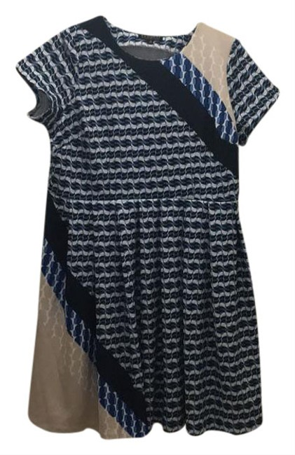 Preload https://item4.tradesy.com/images/patterned-scuba-pleated-skater-mid-length-workoffice-dress-size-20-plus-1x-21574963-0-1.jpg?width=400&height=650