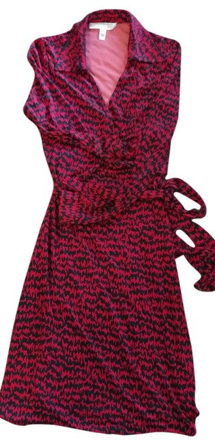 Preload https://item4.tradesy.com/images/diane-von-furstenberg-red-and-black-mid-length-workoffice-dress-size-4-s-21575198-0-1.jpg?width=400&height=650