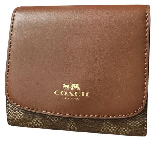 Preload https://item3.tradesy.com/images/coach-with-gift-box-wallet-21575392-0-1.jpg?width=440&height=440