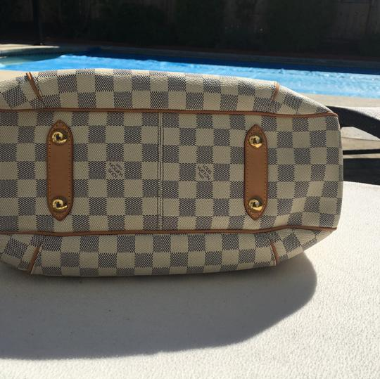 Louis Vuitton Tote in white/ blue