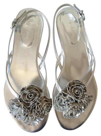 Preload https://item1.tradesy.com/images/boden-silver-leather-metallic-corsage-flower-40-worn-once-sandals-size-us-9-regular-m-b-21575640-0-1.jpg?width=440&height=440