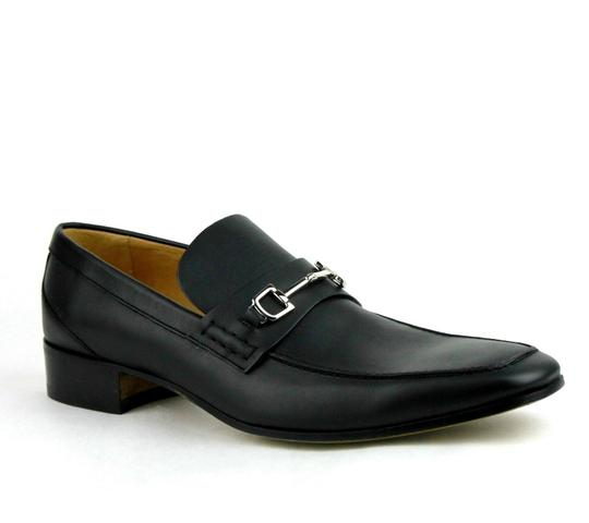 Preload https://item5.tradesy.com/images/gucci-black-horsebit-leather-loafer-wsilver-135-us-145-256345-shoes-21575939-0-0.jpg?width=440&height=440