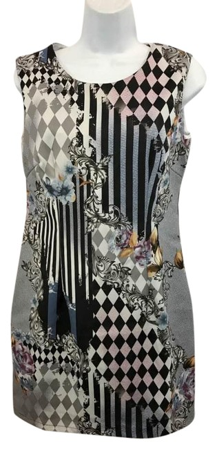 Preload https://item3.tradesy.com/images/love-moschino-made-in-italy-sleeveless-printed-cotton-short-casual-dress-size-8-m-21575987-0-1.jpg?width=400&height=650