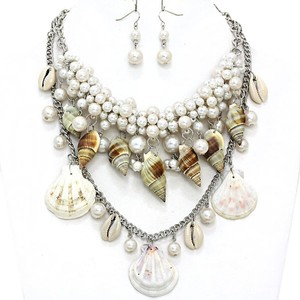 Luciano Dante Seaworld Sealife Seashell Silver Tone Pearl Clustered Double Necklace And Earring