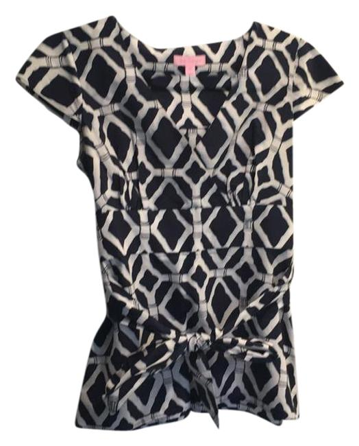 Preload https://item5.tradesy.com/images/lilly-pulitzer-navy-and-white-88189-blouse-size-0-xs-21576464-0-1.jpg?width=400&height=650