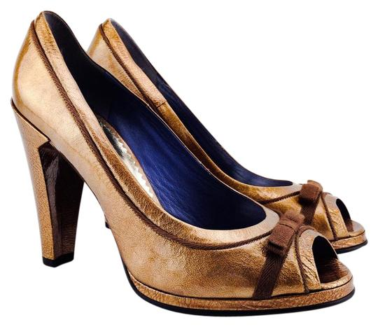 Preload https://item1.tradesy.com/images/marc-by-marc-jacobs-bronze-metal-patent-leather-bow-peep-pumps-size-us-10-regular-m-b-21576525-0-1.jpg?width=440&height=440