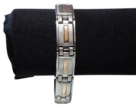 Preload https://item1.tradesy.com/images/yellow-silver-8-14in-stainless-steel-14k-gold-inserts-bracelet-21576795-0-1.jpg?width=440&height=440
