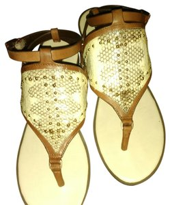 BCBGMAXAZRIA Neutral/chocolate with gold studs Sandals