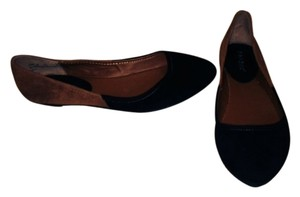 Bamboo Brown/Black Flats