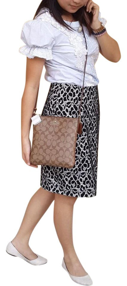 9343f2ec Coach Shoulder Signature North South Mahogany/Khaki Leather Cross Body Bag  54% off retail