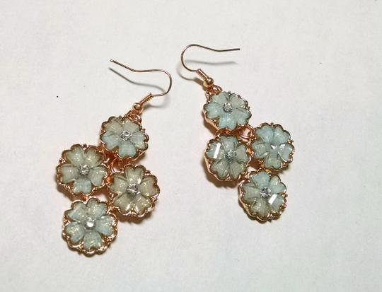 Other New Flower Light Blue & Gold Earrings Crystals Dangle Jewelry J765