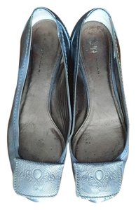 26284e8f1df Elie Tahari Grey Metallic Flats Size US 6.5 Regular (M