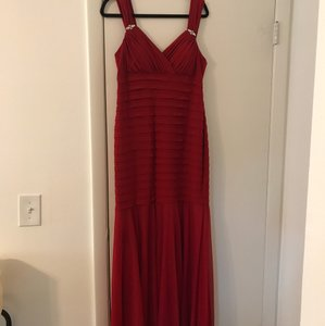 R & M Richards Red Chiffon and Polyester Old Hollywood Glamour Retro Bridesmaid/Mob Dress Size 14 (L)