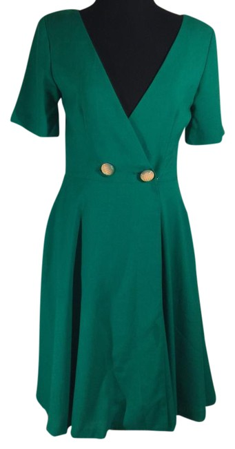 Item - Green with Cream and Green Buttons 053217 Mid-length Cocktail Dress Size 8 (M)