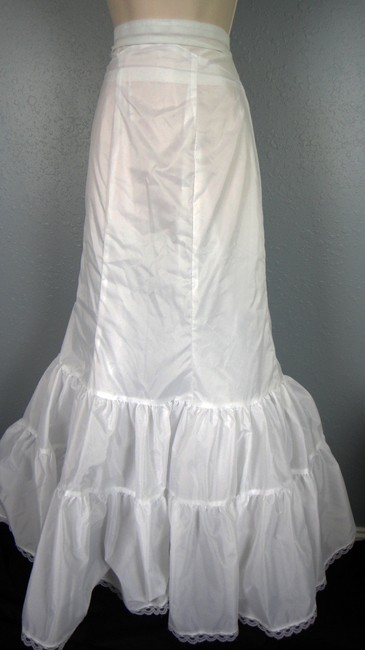 Black and White Satin Wedding Gown Beaded Long Formal Dress Size 6 ...
